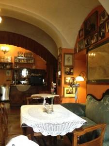 klezmer hois 225x300 Krakow   14 tipov, kde jesť a piť