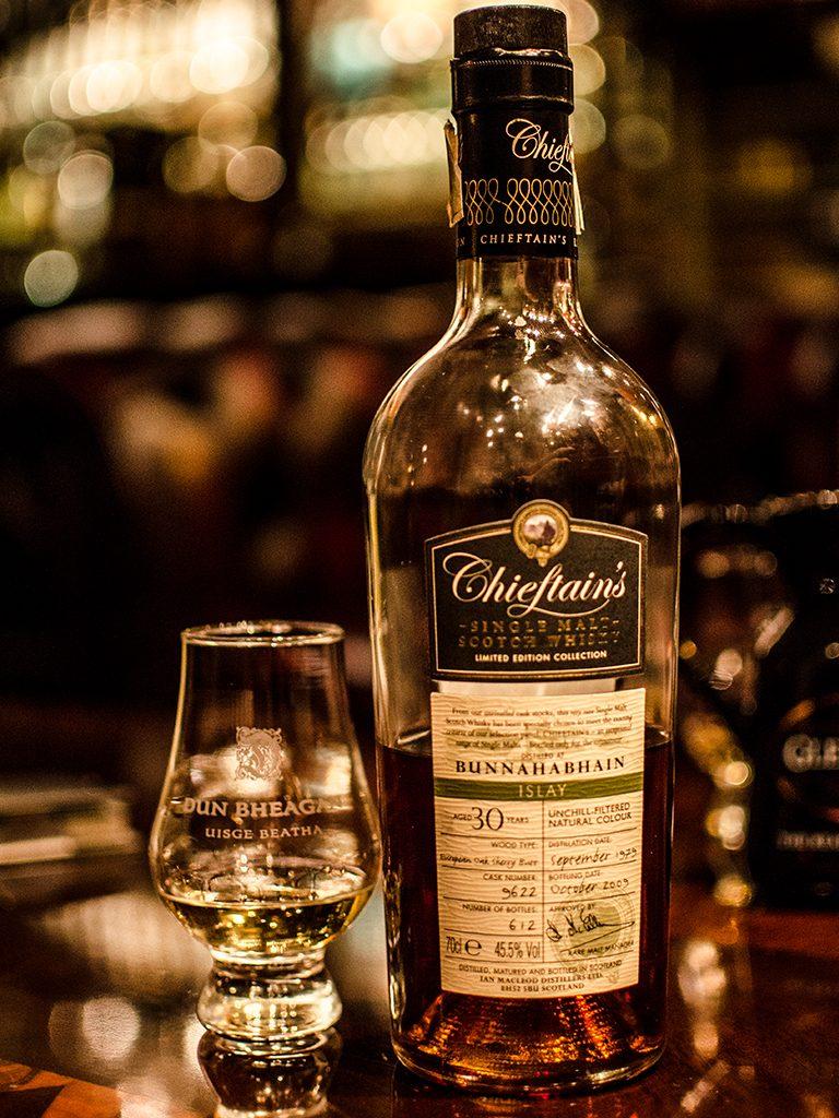 30YO Rare Single Malt Scotch Whisky Chieftains